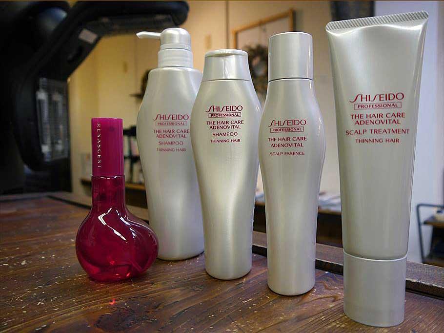資生堂 ザ・ヘアケア  ADENOVITAL アデノバイタル     先端バイオサイエンスの研究から、毛根に存在する発毛・育毛の原動力に着目。 資生堂独自テクノロジーと成分で、クオリティーの高い髪の成長をサポートするとともに、髪にハリ・コシを与え、根元からボリューム感のある髪に導きます。