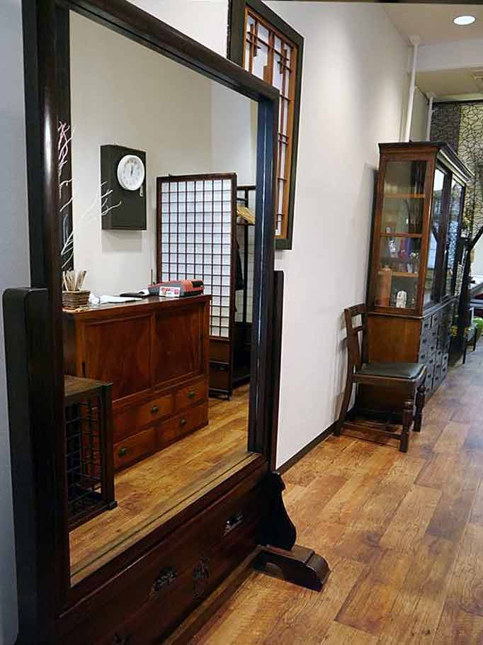 ソラ  ヘアギャラリー  【SORA Hair Gallery】は府中の隠れ家ヘアサロン。大國魂神社近く、和のリラクゼーションをご提供します。